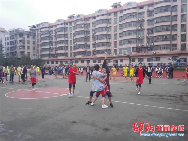 邵东县教育局在城区三中举办2016年初中生篮球赛